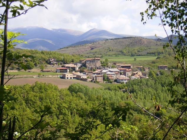 Vista sud del poble de Montcortès. - El poble Turisme Rural casa l'hereu