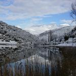 L'estany i les muntanyes de la Vall Fosca ben nevades. - L'estany Turisme Rural casa l'hereu