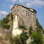 L'esglèsia amb la Badia al darrera - El poble Turisme Rural casa l'hereu