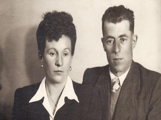 El padrí Ramon i la padrina Leonor el dia del seu casament. Casa Hereu Montcortès - Qui som? Turisme Rural casa l'hereu