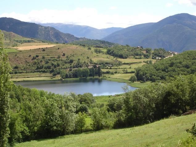 Vistes de l'estany de Montcortès. - Entorn Turisme Rural casa l'hereu