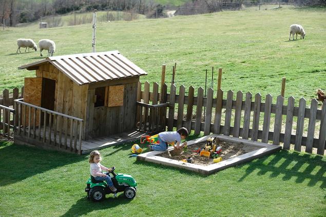 - Zona infantil Turisme Rural casa l'hereu
