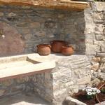 Detall de la pica que hi ha al costat la barbacoa - Benvinguts al Pallars Sobirà Turisme Rural casa l'hereu